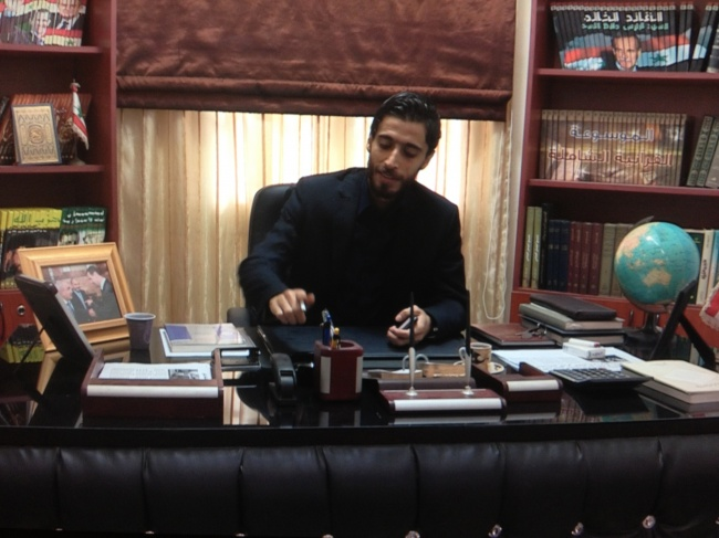 Ali Foda, au quartier général du commandement des para-militaires alawouites du Liban @Frédéric helbert