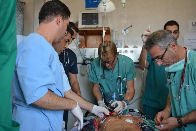 Le combat contre la mort en salle de réanimation d'urgence @ Frédéric Helbert DR