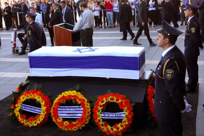 L'heure de l'ultime hommage public avant les obsèques.